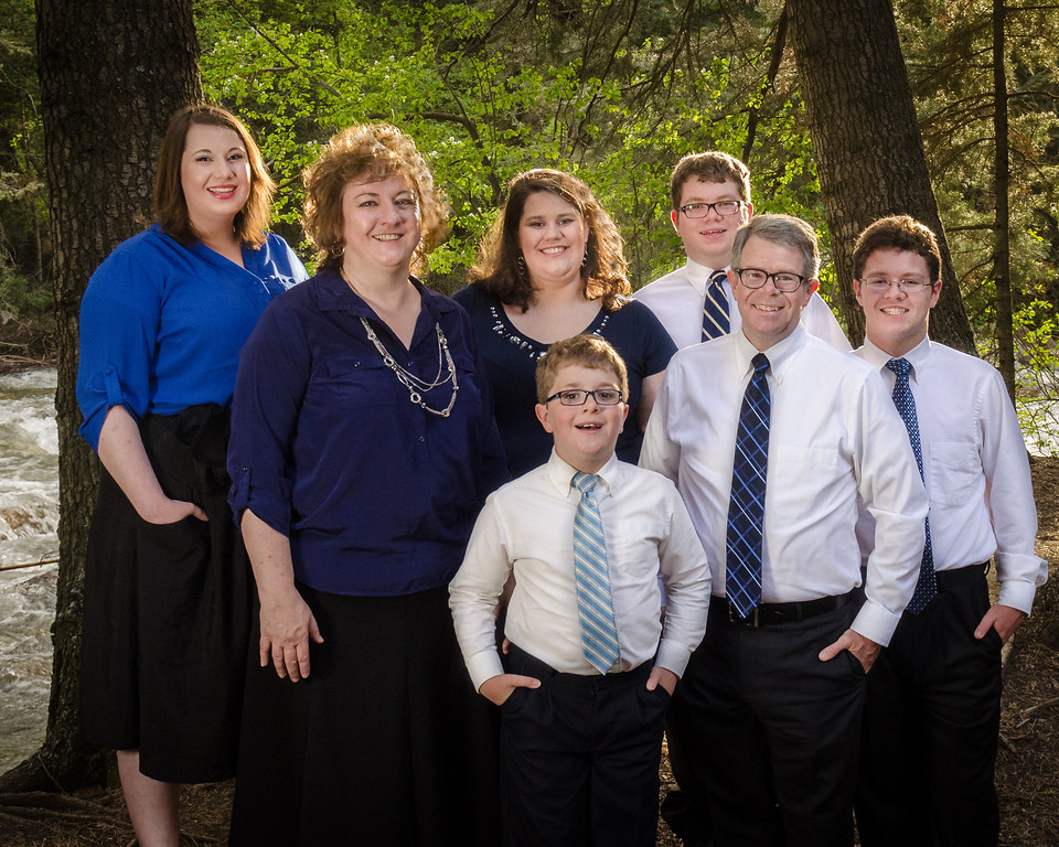 Larsen Family Portraits-EyeMotion Photography-1
